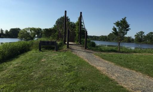 三重湖公園キャンプ場の湖畔エリア入口