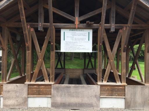 北広島市自然の森キャンプ場の炉端