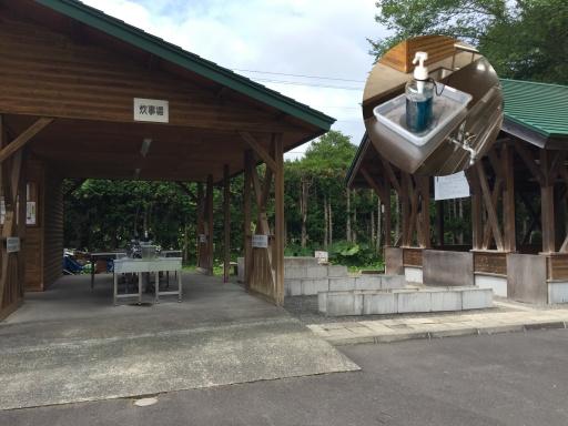 北広島市自然の森キャンプ場の炊事棟(洗い場)