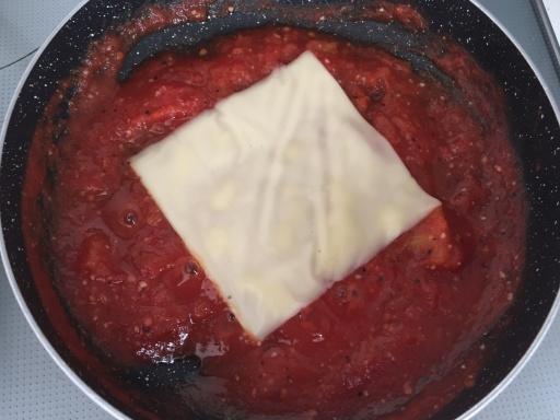トマトのディップ(チーズを入れたところ)